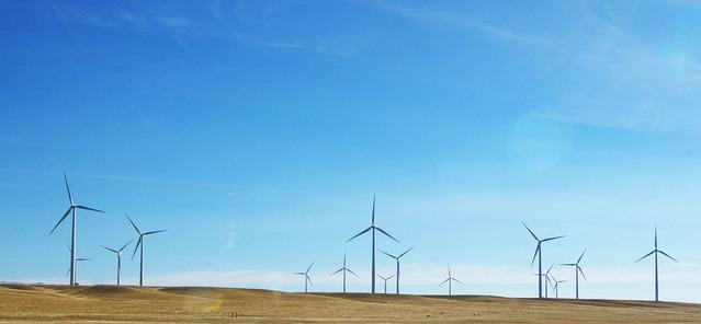 farmy wiatrowe na horyzoncie