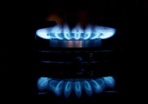 Płonący palnik w kuchence gazowej -ceny gazu